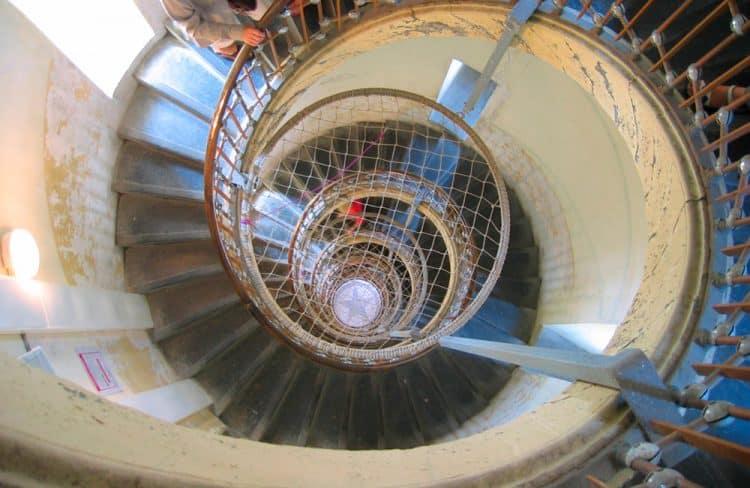 Escalier intérieur du phare de Calais