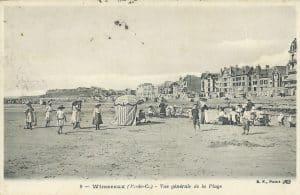 Carte postale ancienne de Wimereux vue de la plage