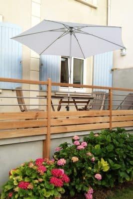 Terrasse devant la maison